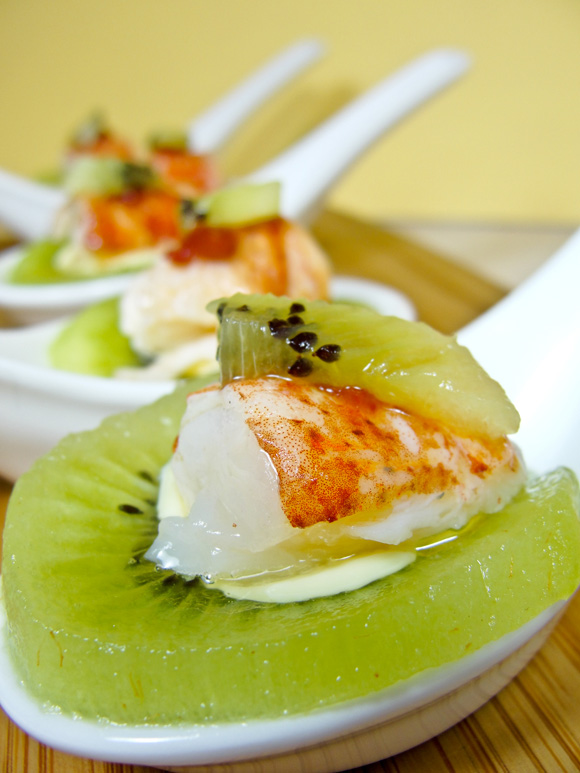 Kiwi Boat topped with Lobster and Scallion Mayonnaise Amuse Bouche ...