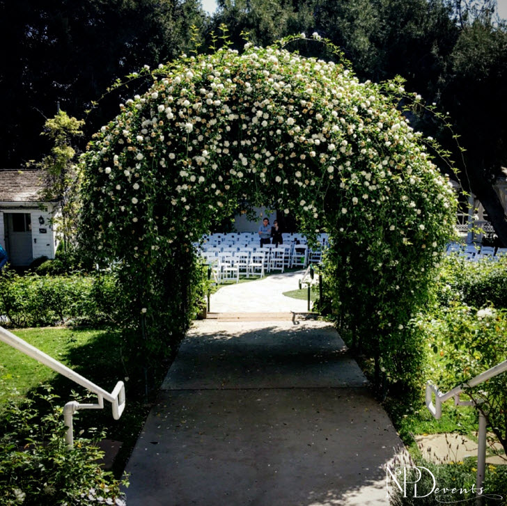 Green Gables Wedding Estate: Quintessential ceremony space facing the beautiful, aromatic archway
