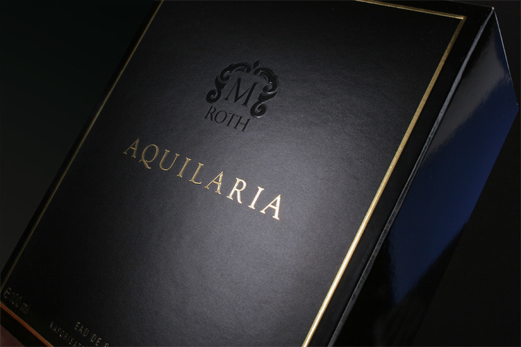 Aquilaria Cologne box display design
