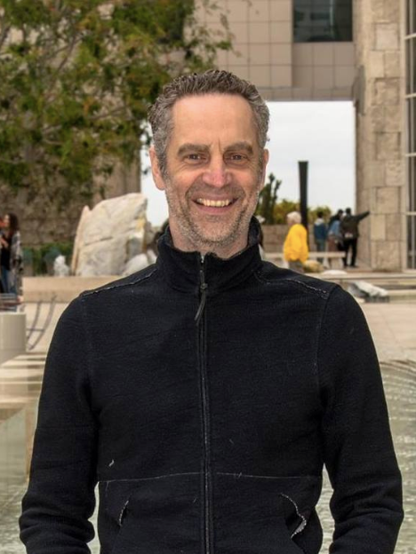 Featured Guide:Andrew Barrett - Barrett is a Meditation Teacher, Beatles expert, and owner of Dating & Meditating, a creative platform for conscious connections.