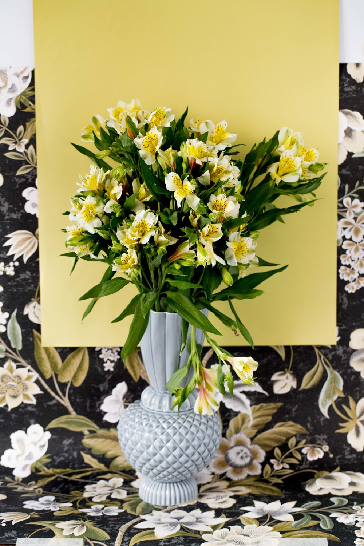 Fra PS #8 Vase: Eske Tapet: Christians  Foto: Trine Hisdal / Tinagent Styling: Pauline Naerholm