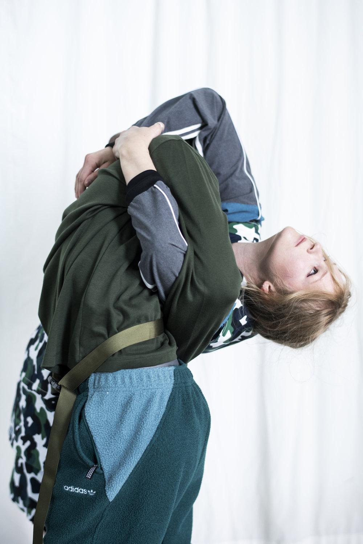 M: Genser: Adidas Originals Kjole: By Malene Birger J: Genser med belte: Samsøe Samsøe Bukse: Adidas Originals