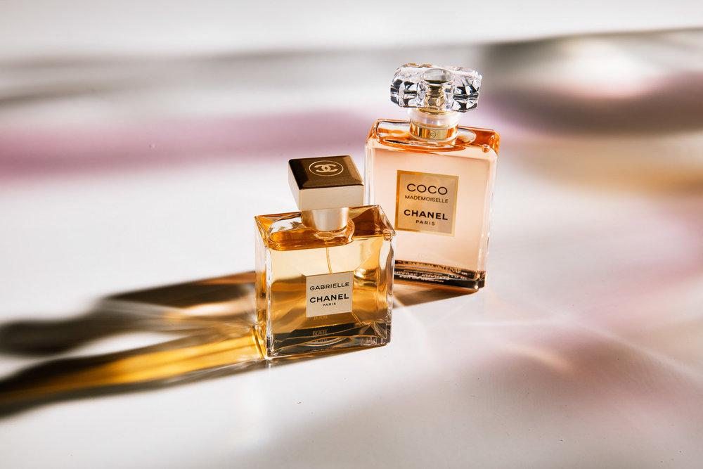 Gabrielle Chanel:  Mandarin, ylang ylang, tuberose og musk.   Coco Mademoiselle:  Appelsin, mandarin, jasmin, ylang ylang og vanilje.