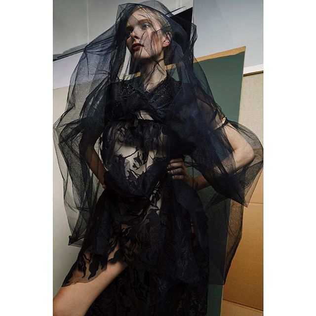 Are you a witch ... New editorial om ps-magasin.com now.  90's WITCHES & ANGELS.  Photo: @hisdal / @_tinagent_  Styling, hair and make-up: @paulineoslo  Model: @st4lin / @teammodels