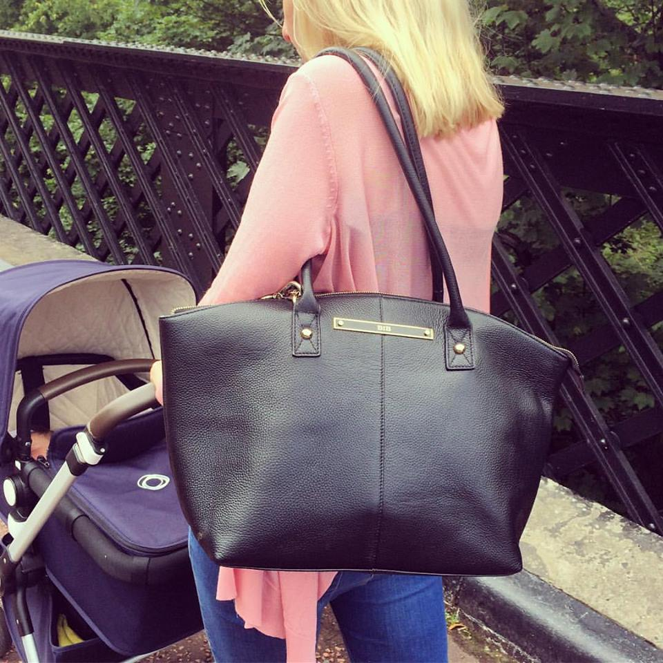 Out and about with the Wyn tote
