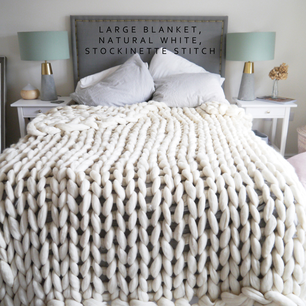 GIANT CHUNKY KNIT BLANKET IN WHITE