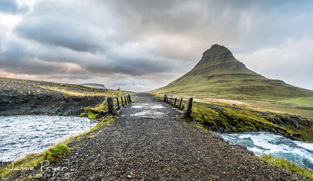Kirkjufell Iceland2.jpg