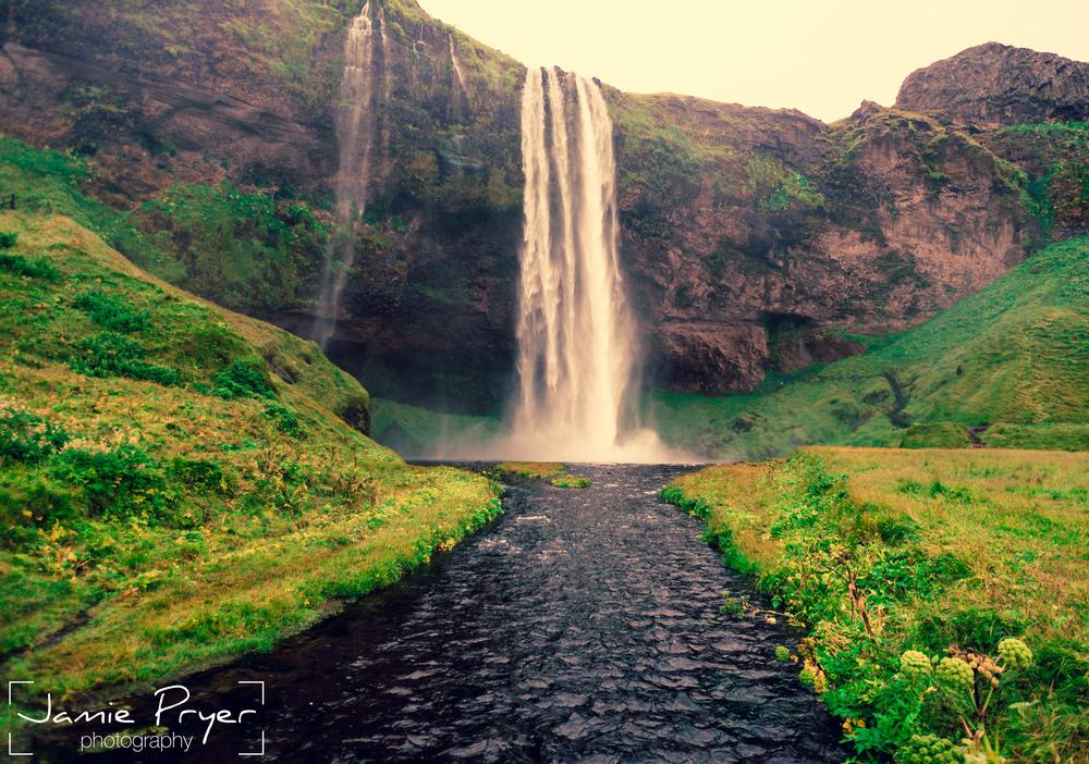 Icelandic Falls3.jpg