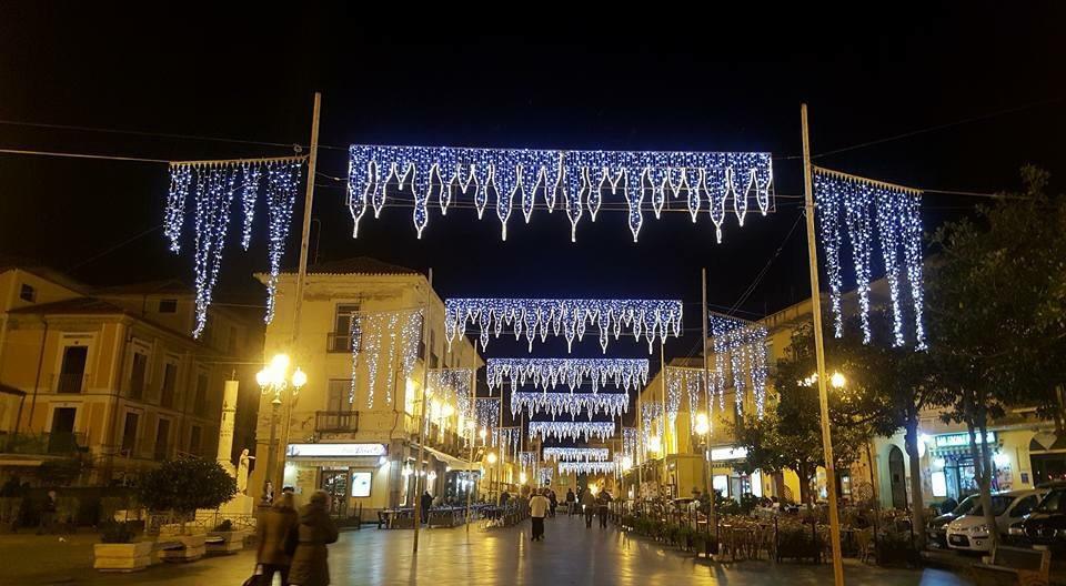 La Piazza di Pizzo, Natale 2015 (photo credit: Il blog di Gianluca Callipo)