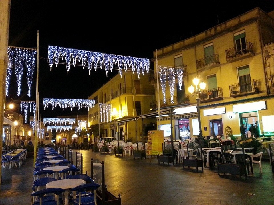 The piazza in December 2015 (photo credit: Giuseppe Pagnotta)