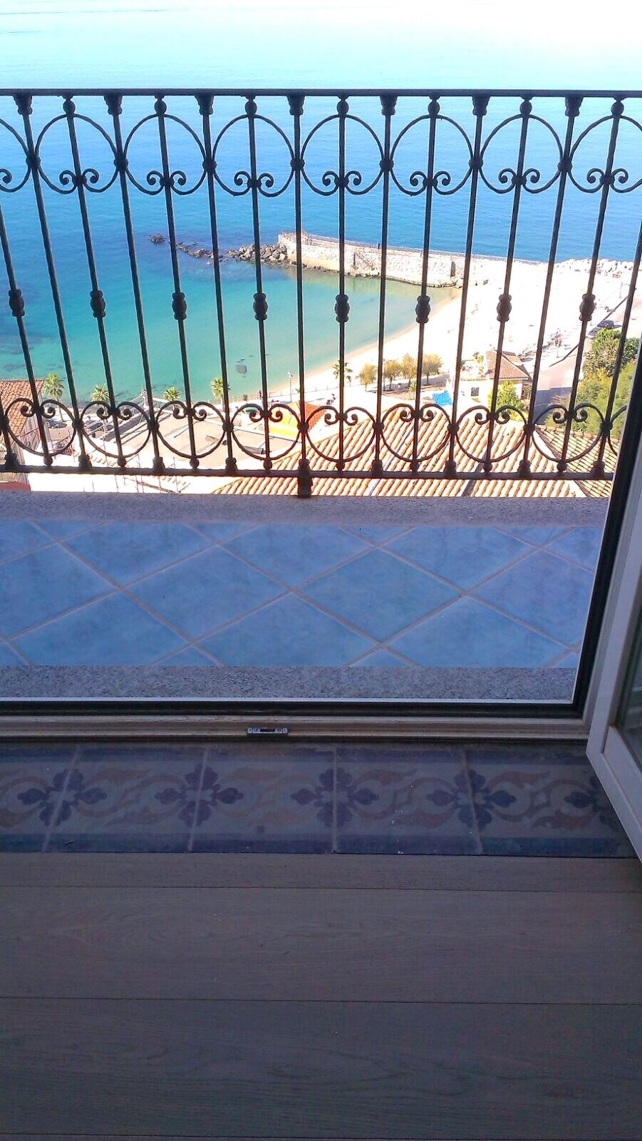 Studio: balcony of bedroom facing the sea