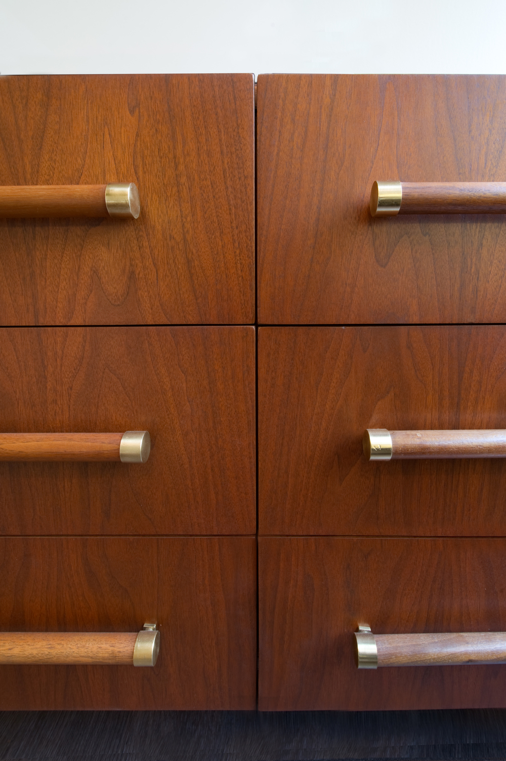 Charmed_Mag_27 - Cabinet Detail.jpg