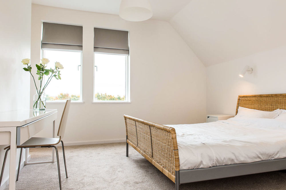 Modern House Build bedroom by JDW Building and Conservation27.jpg