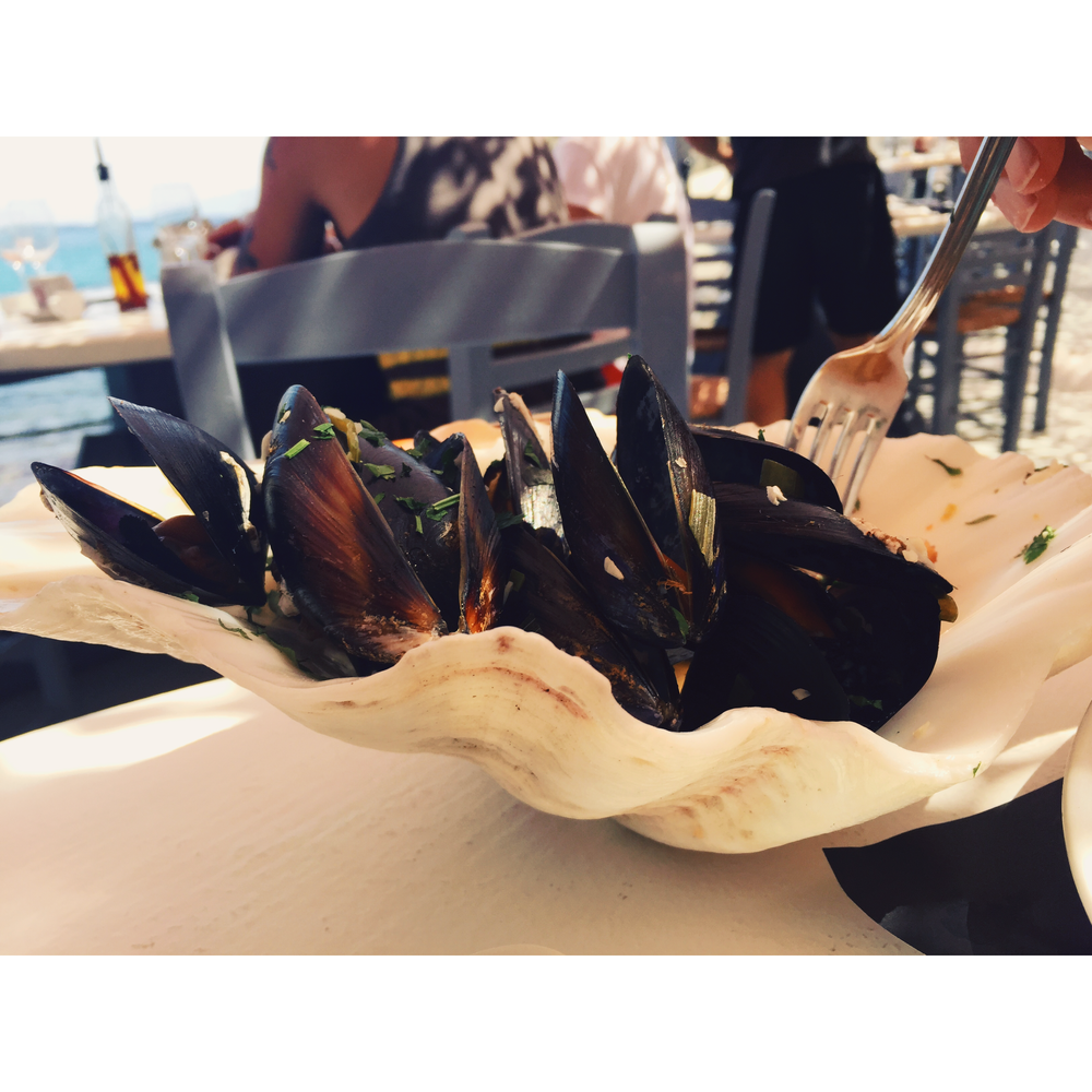 Mussels in garlic and white wine sauce at Spilia (served in a shell of course).