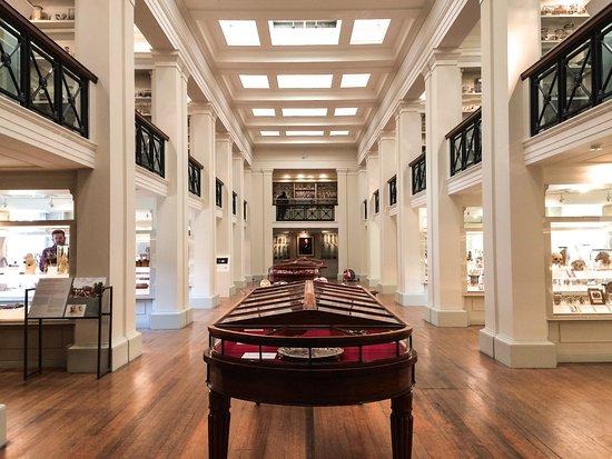 Surgeons' Hall Museum
