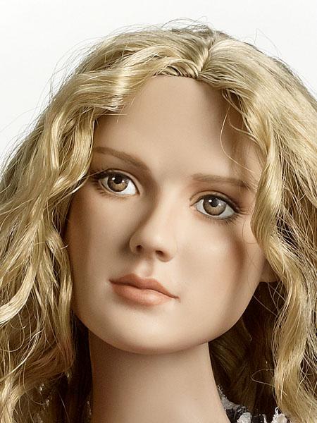 Um from Umbridge, Mia Wasikowska/Alice head sculpt