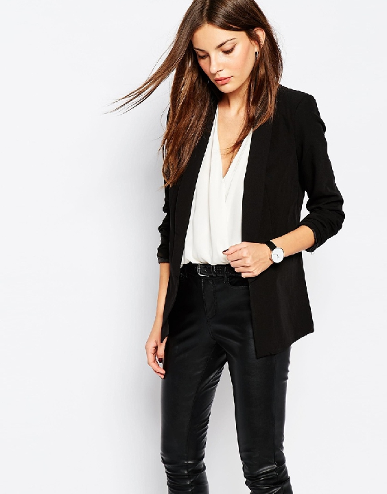 Black blazers are the ultimate staple. They can be dressed up or down just by adding a pair of slacks or jeans. Get this great tailored blazer  HERE!