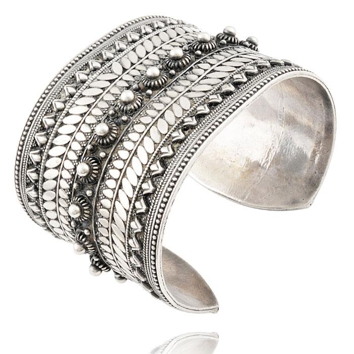 Silver-Ornate-Design-Cuff---Edited-2.jpg