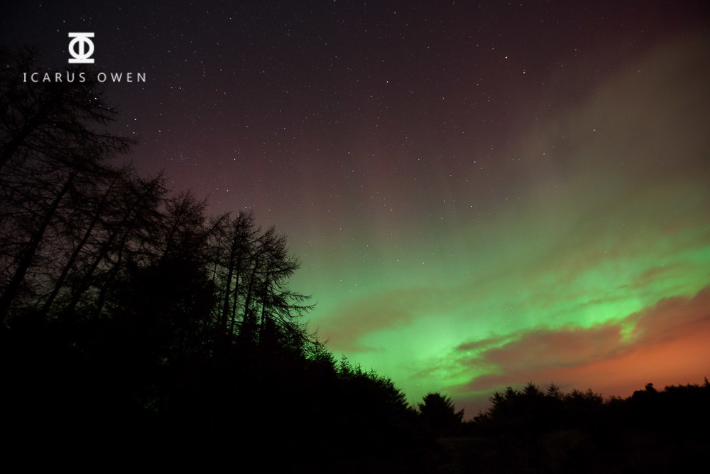 Photograph of aurora borealis in Aberdeenshire taken bi Icarus Owen