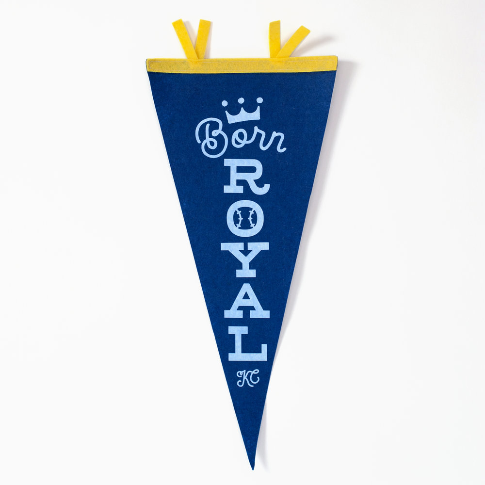 ROYALS PENANT FOR BABY'S ROOM
