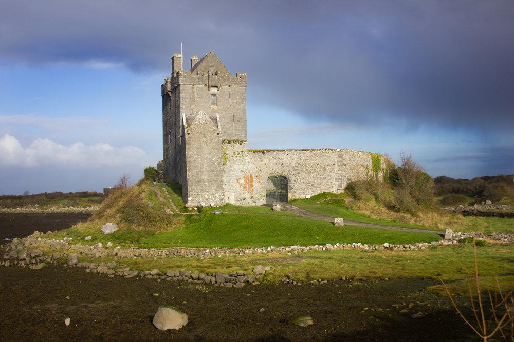 dunguaire-castle-galway-antoine-hart.jpg