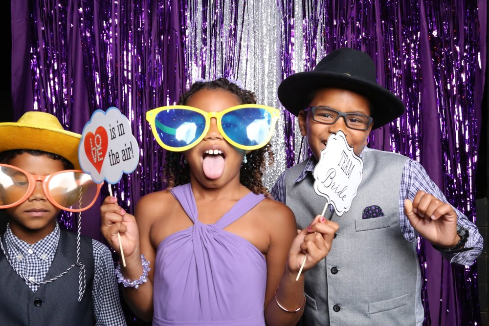 Booth Chamber Photo Booth Harmony Gardens wedding antoine Hart de leon springs photography_15.jpeg