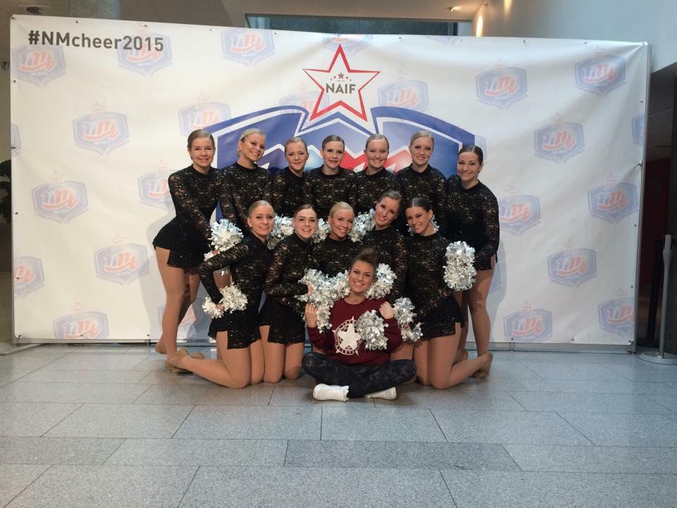 Studio3 Cheerdance Pom senior, etter å ha sikret seg sølv i NM 2015
