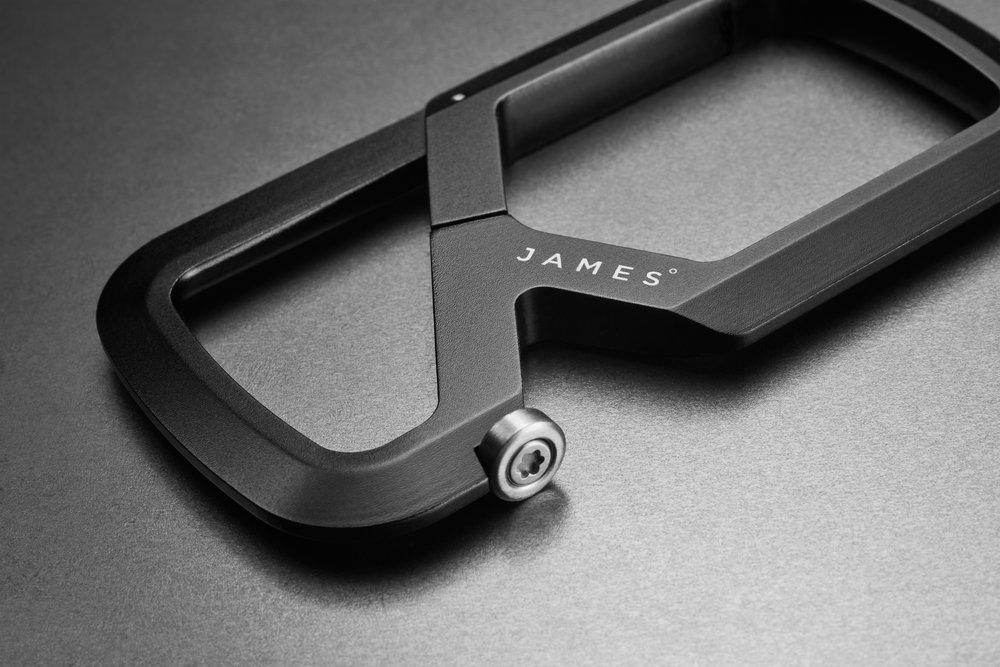 180717_James_carabiner_BLACK_detail_FL.jpg