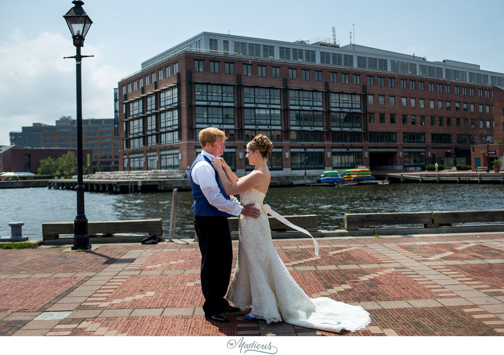 Baltimore Aquarium wedding_0025.jpg