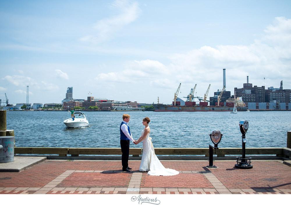 Baltimore Aquarium wedding_0031.jpg