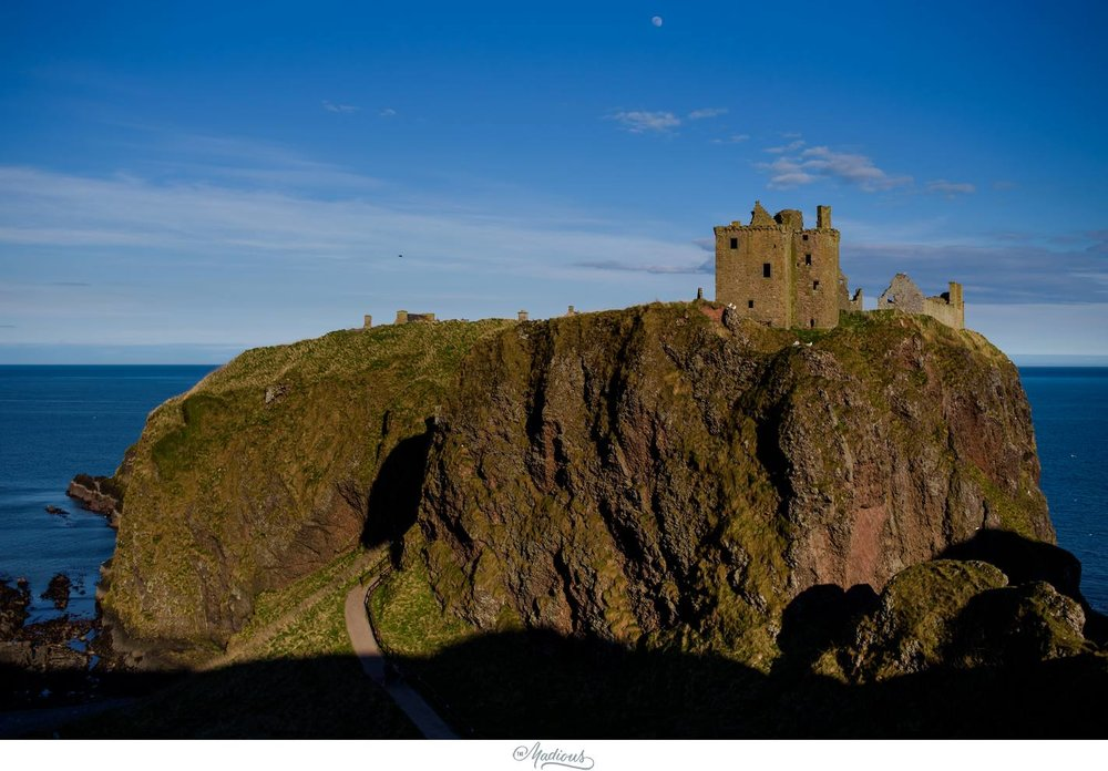 Balbegno_Dunnotar_Castle_Scottland_Wedding_30.jpg
