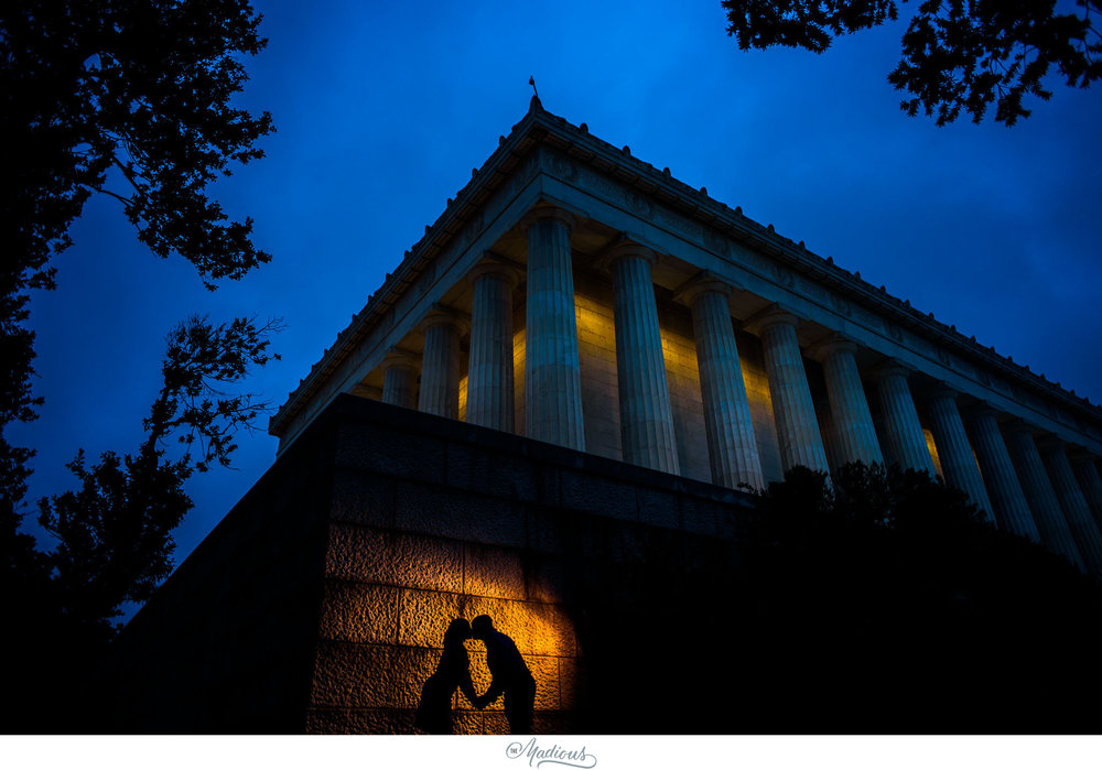 Rainy Lincoln Memorial Engagement session 0006.JPG