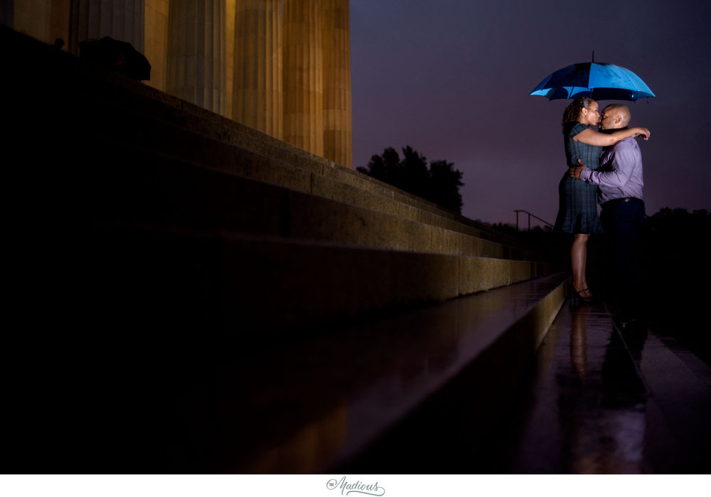 Rainy Lincoln Memorial Engagement session 0010.JPG