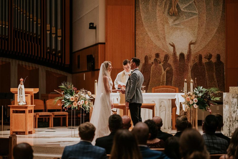 AliciaAaron.Weddingmileswittboyer.com2018-697.jpg