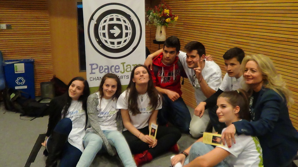 EIMAI YOUTH AT CLOSING CEREMONY OF PEACE JAM CONFERENCE AT UNIV F WINCHESTER.JPG