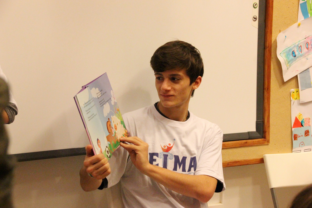 Achilleas reading to children at Dyktio.jpg