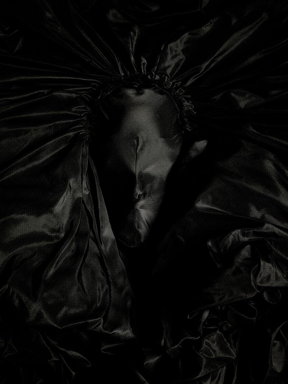 Toledo_Black_Manequins_S4_HFH3b_FFP_30x40M.jpg