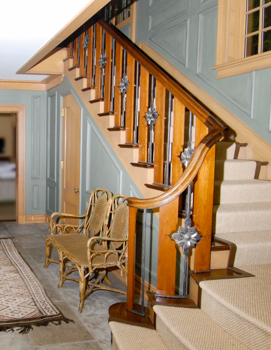 Stair with full foyer view.jpg