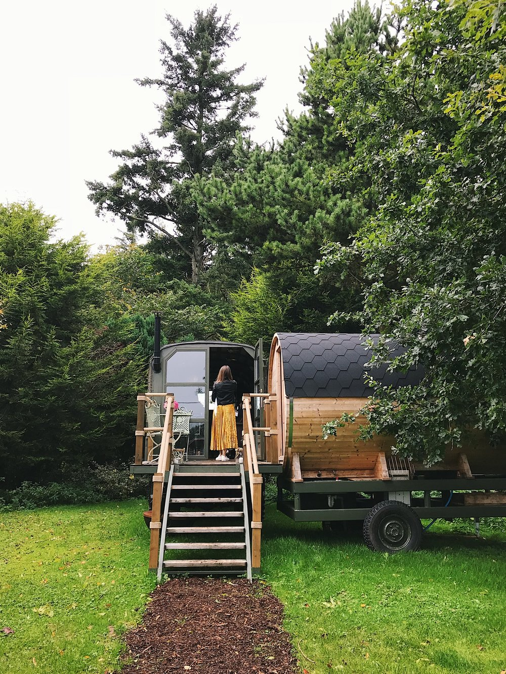 'Myrtle the glamping truck ( her own sauna included! )