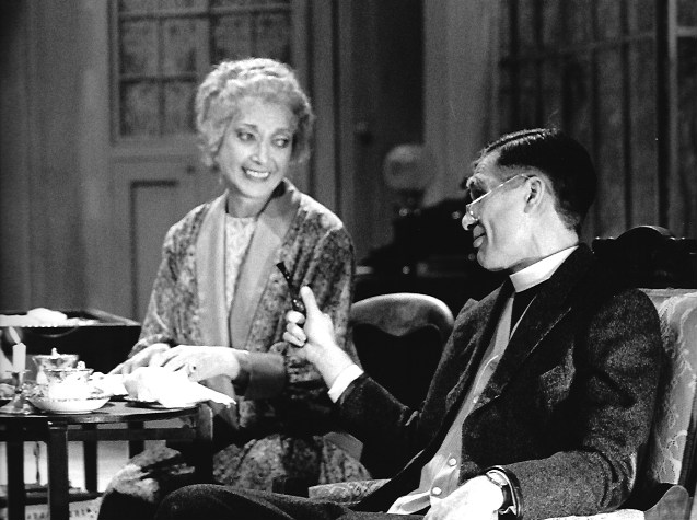 REV DR HARPER IN ARSENIC AND OLD LACE, DERBY, 1989 (WITH MIRIAM KARLIN)