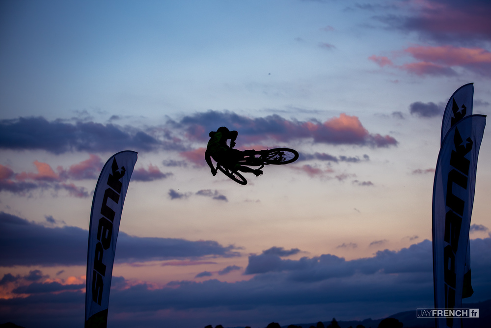 No Whip off is complete without a sunset silhouette banger.
