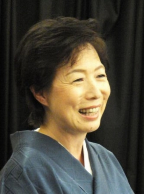 Kanariya Ichirin: Teacher at Kanda University of International Studies and Waseda University. She performed English rakugo in Arizona last year.