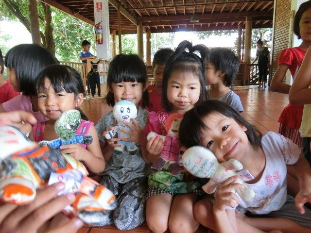 Picture story: Banromsai, the orphanage for kids afflicted with AIDS in Thailand.