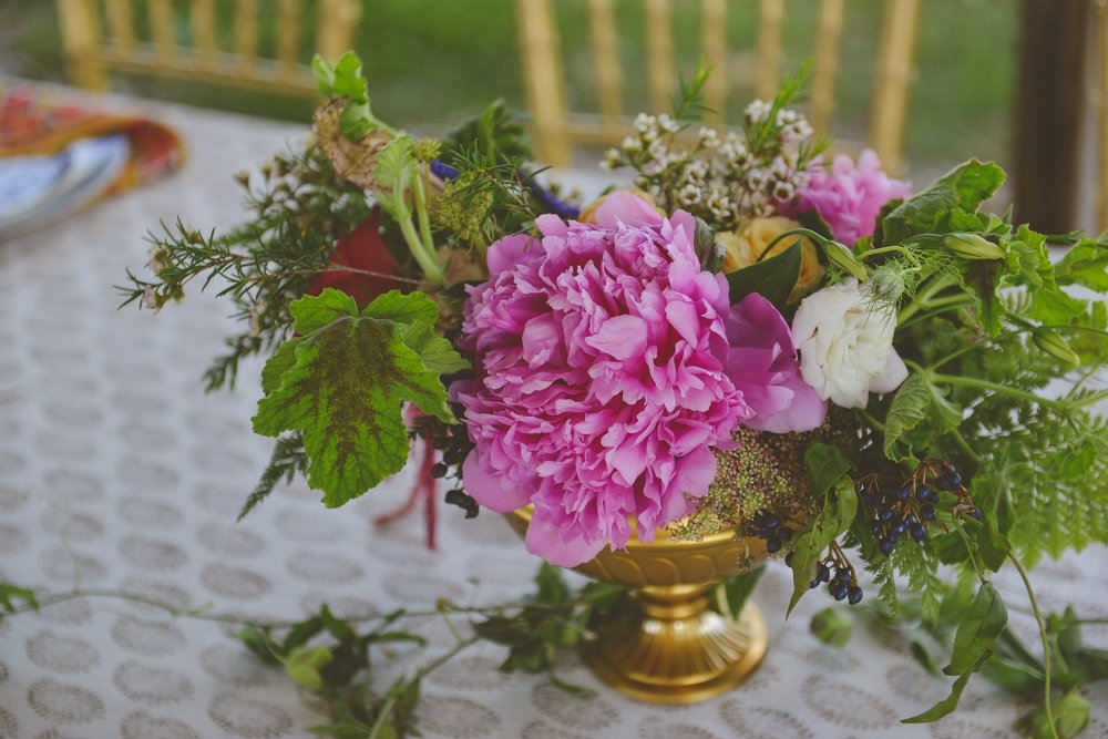 Bowerbird Flowers - table style - spring wedding