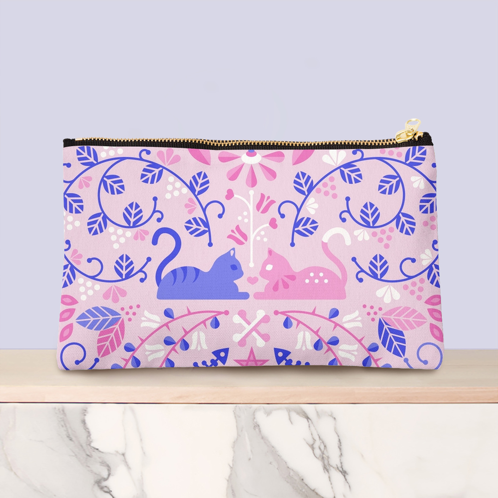 Kitten Lovers studio pouch available here.