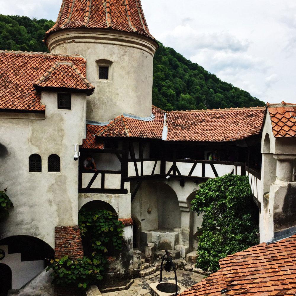 Transylvania-VladsCastle.jpg
