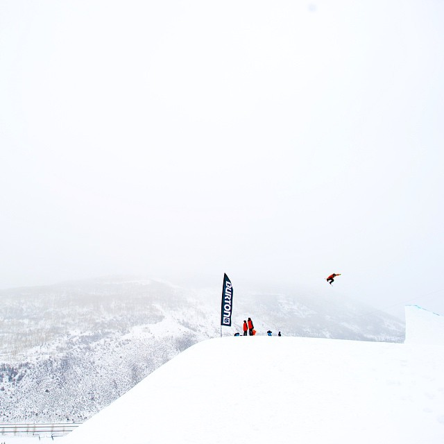 Is this a jump for ants! It has to be at least… three times bigger. @travelindan sending it during practice earlier today in the snow. #BurtonUSOpen #zoolander #snowboardingissohotrightnow @snowboardermag