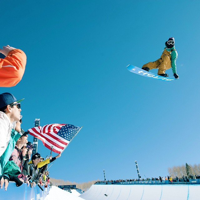 @gregbretzz lapping during the #BurtonUSOpen pipe finals. @snowboardermag