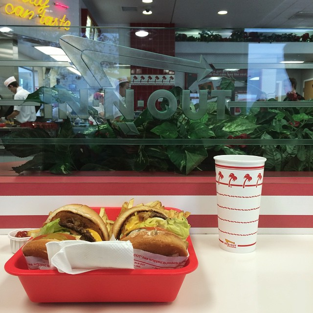 6/7 days successfully eaten at In-n-Out w/ @jacarigo (at In-N-Out Burger - Hesperia (Bear Valley))