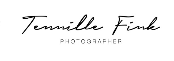 'Documentary style photographer specialising in weddings and family photography. Organic, timeless photography that won't leave you feeling awkward. Based in Queensland, available just about anywhere.'